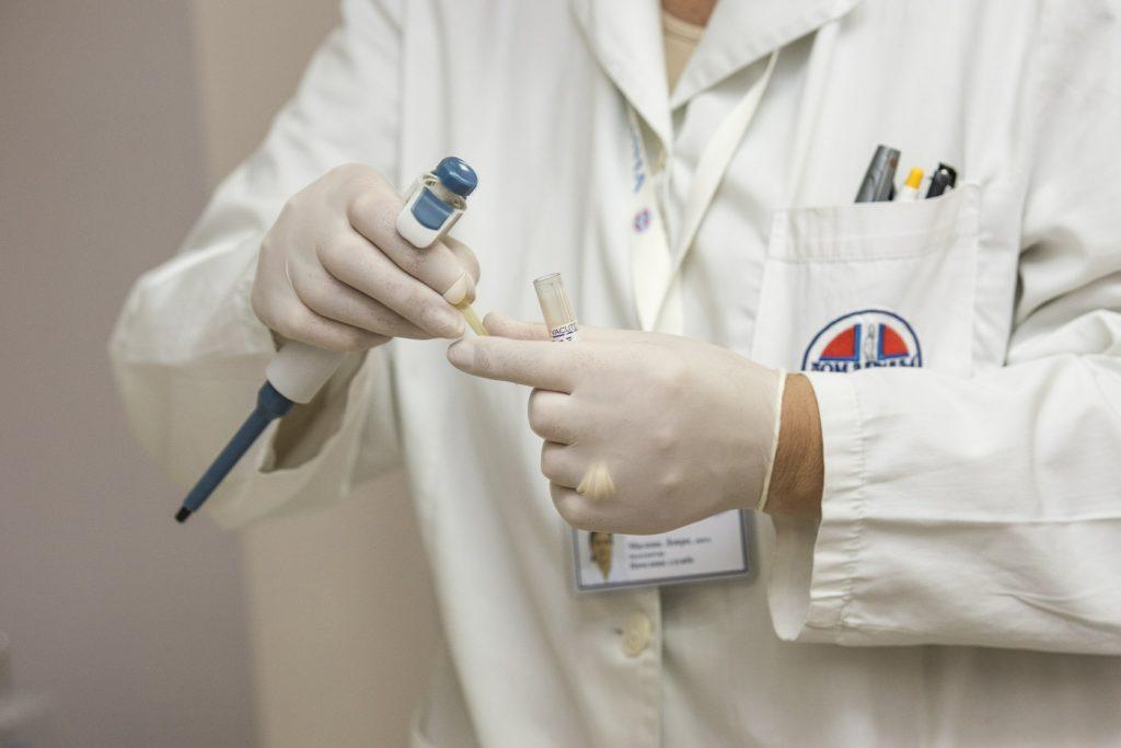 Vêtement d'hôpital et laboratoire
